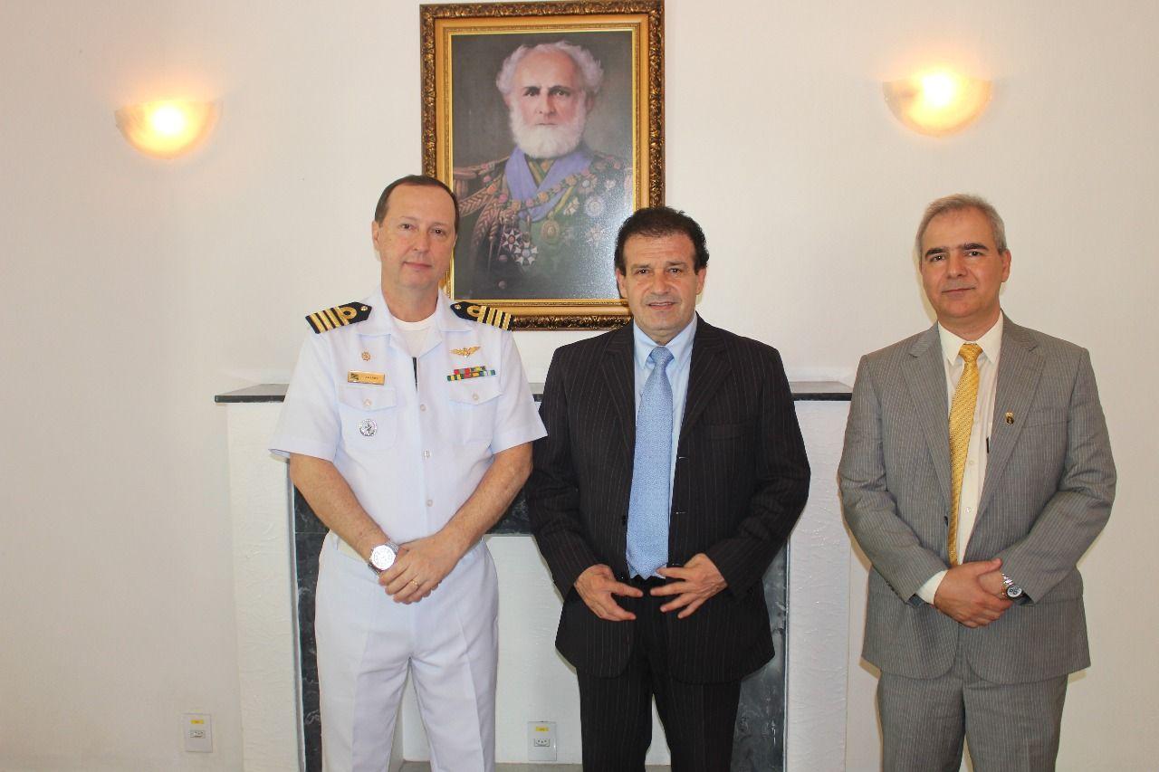 Deputado Pompeo de Mattos visita a Capitania Fluvial de Porto Alegre