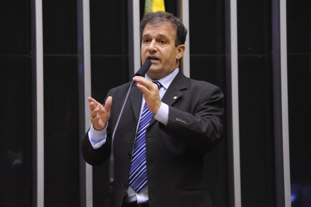Deputado Pompeo de Mattos doa 30% do salário para hospital comprar máquina de respiração