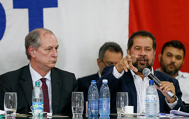 PDT anuncia pedido de impeachment contra Bolsonaro
