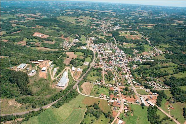 PEC assinada por dois senadores gaúchos extingue 226 municípios no RS; veja a lista
